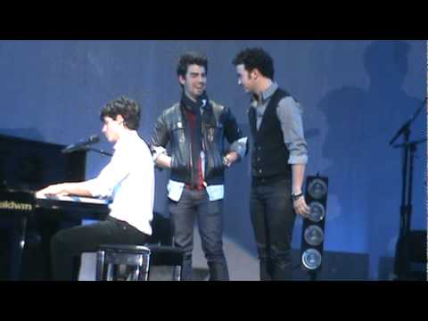 Nick Jonas and The Administration, A Little Bit Longer, Please Be Mine all three Jonas Brothers! HQ!