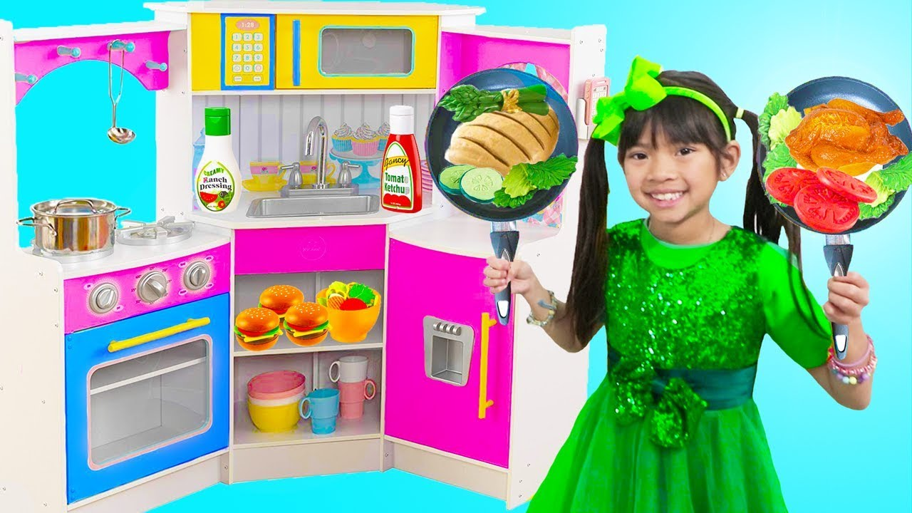 Emma Pretend Play w Restaurant Kitchen Buffet Dinner Party Kids Toys