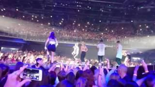 Justin Bieber - Let me love you (live @ Dublin, Ireland)
