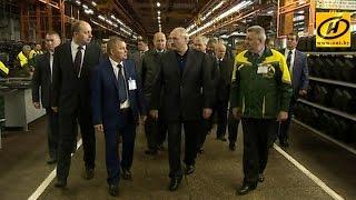 Смотреть Александр Лукашенко посетил Минский тракторный завод онлайн