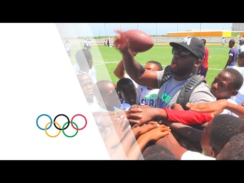 NFL Player Cliff Avril and friends organizing an American Football Camp