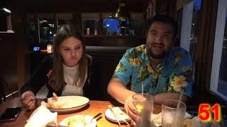состязание двух тюленей -кто больше сьест креветок в ресторане-