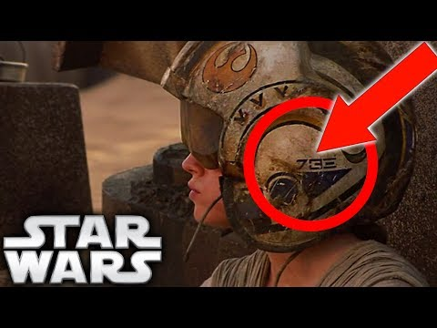 Who's Helmet Did Rey Wear on Jakku in The Force Awakens? - Star Wars Explained