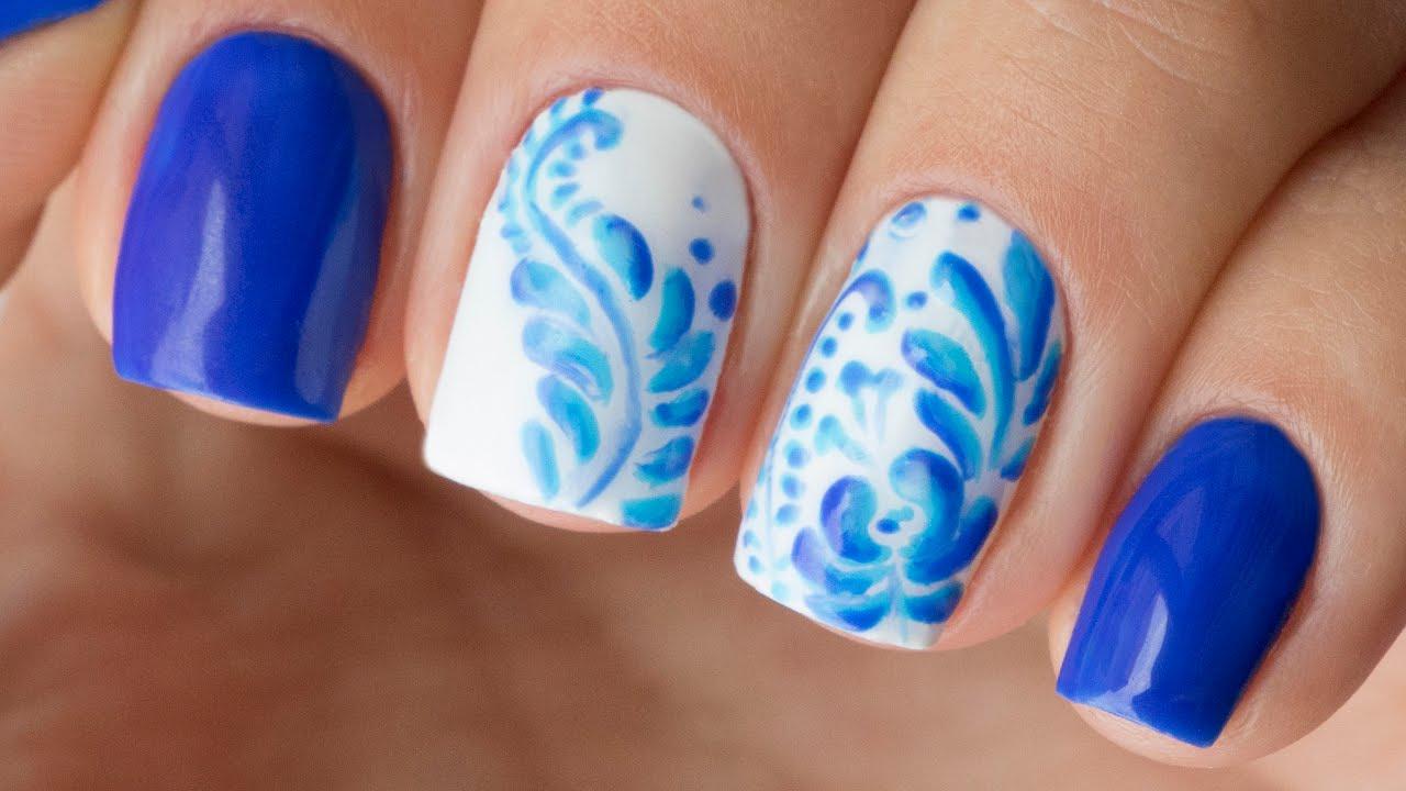 Рисунки гель-лаком на ногтях. Синий дизайн ногтей Гжель ...