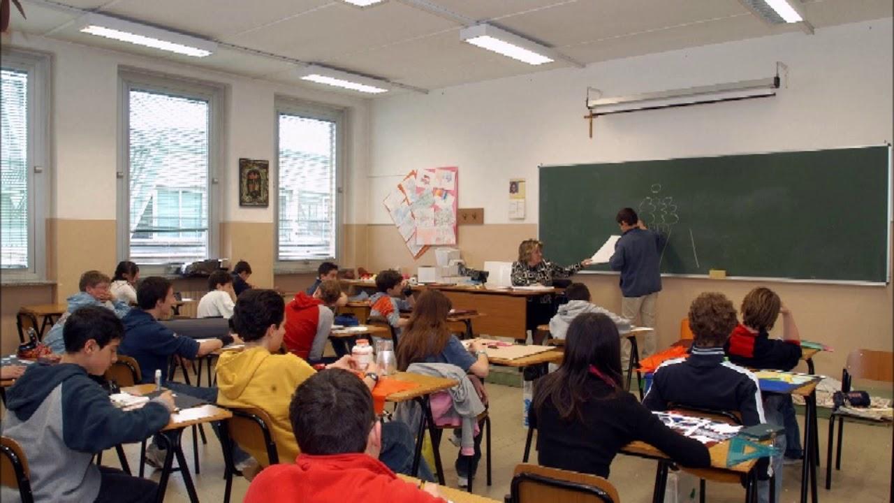 Parla una insegnante della scuola media (ascoltatela perchè denuncia gli orrori voluti dall'UE)