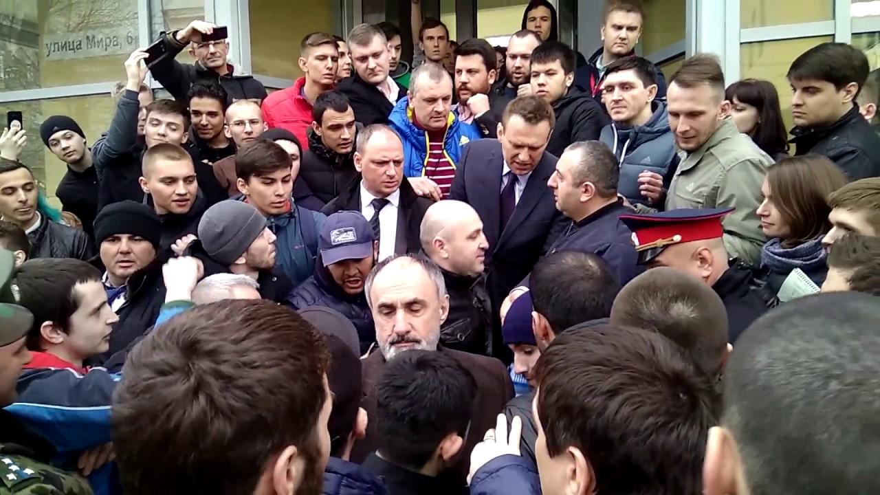 Нападение на Навального в Волгограде.