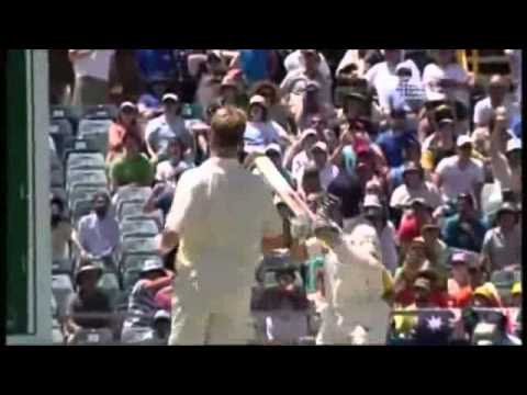Sachin Tendulkar hits Brett Lee for an amazing six