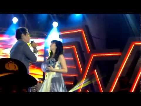 Last Child Feat Giselle - Seluruh Nafas Ini MEGA KONSER 719 SURABAYA RCTI 2-6-2012 @SatrioLp twitter