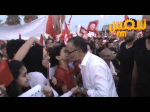 """Mohsen Marzouk salue les présents au sit-in """"Errahil"""""""