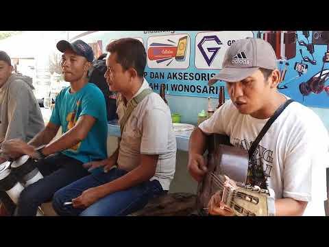 """Ketipung pralon musisi jalanan GUNUNGKIDUL """"BOJO GALAK"""""""