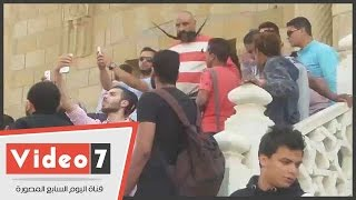 تعرف على اسوأ ما فعله الشباب في جنازة الفنان الراحل سيد زيان و عند وصول جثمانه الى مسجد الحصري