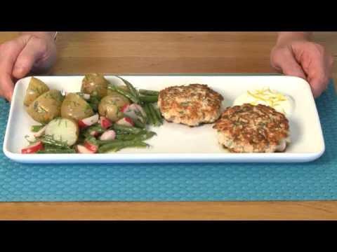 Low FODMAP salmon burgers & potato salad