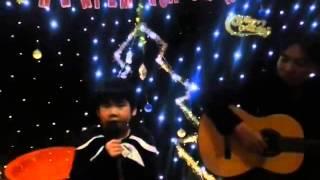 Bé Tùng Vân 5 tuổi hát PHỐ MÙA ĐÔNG cực kute tại NghiêmHoaTrà