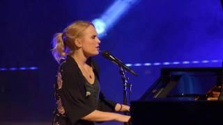 """""""Selmas Sang"""" fremført av Eva Weel Skram og Thomas Stenersen"""
