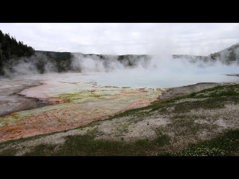 Yellowstone Nationalpark USA Reisebericht Wyoming Old Faithful geyser Thermalquellen Geysire
