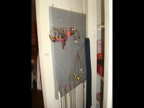 Como hacer un colgador de tela para pendientes y collares - Colgador de collares ...