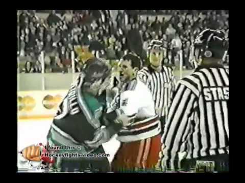 Mike DePetrillo vs Darcy Harris London Knights vs Kitchener Rangers OHL