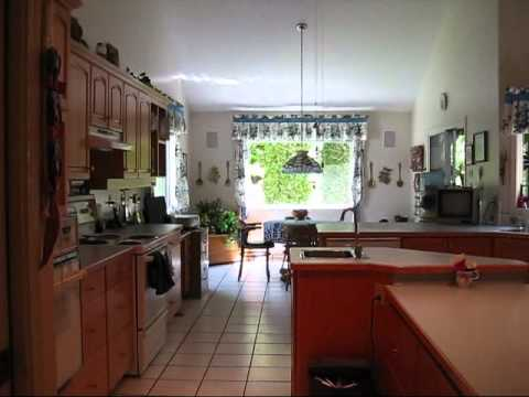 Bed & Breakfast, Fair Realty, Rich & Pauline Wiens, Sorrento, B.C.