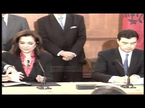 Greqia kërkon naftë në zonën e diskutueshme - Top Channel Albania - News - Lajme