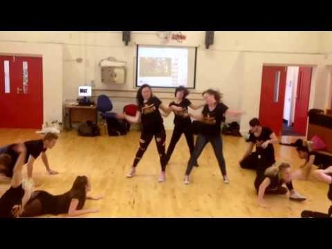 Thriller/Heads Will Roll Mash Up - Glee Cast, Horizon Dance Society
