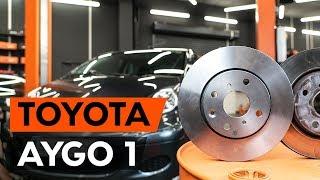 Como substituir discos de travão dianteira noTOYOTA AYGO 1 (AB10) [TUTORIAL AUTODOC]