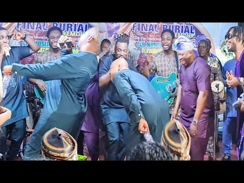 Download MC Oluomo Got People Laughing As He Showoff His Dance Moves With 9ice While Pasuma Sings For Them
