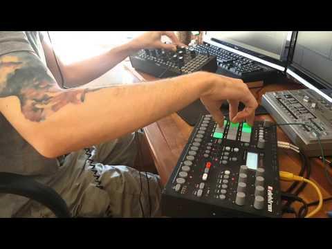 Live acid techno : acid silk