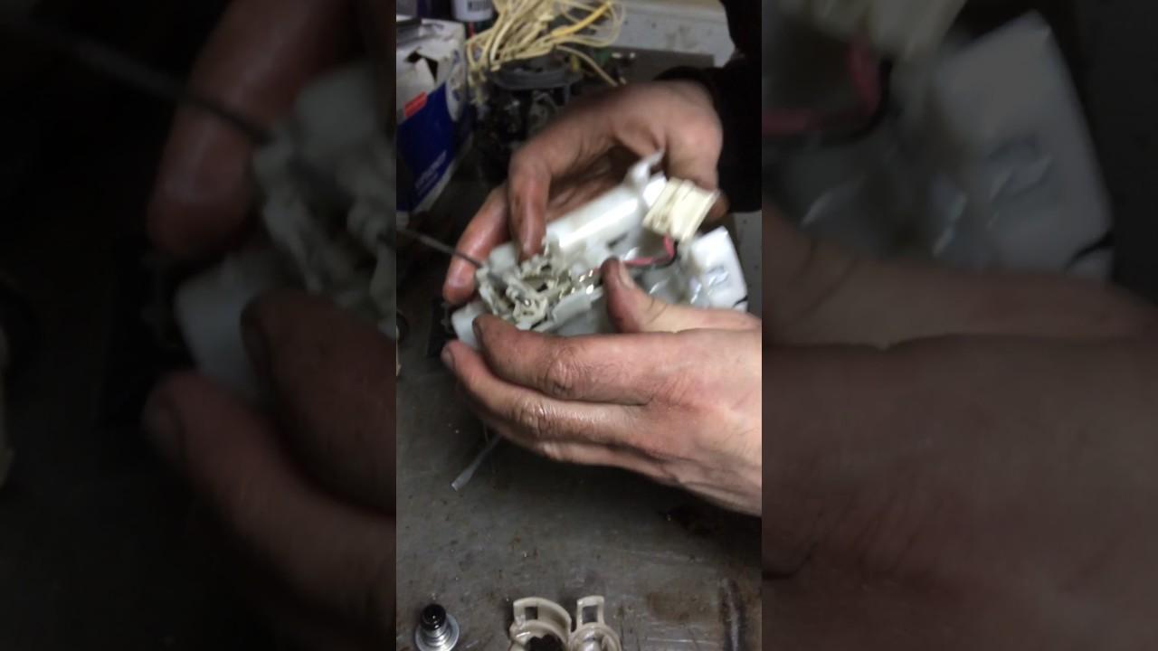 Toyota Corolla e120 замена топливного фильтра Часть 3