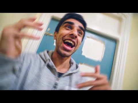SCARING THE SIDEMEN!!!...okay maybe just JJ and Vikk...