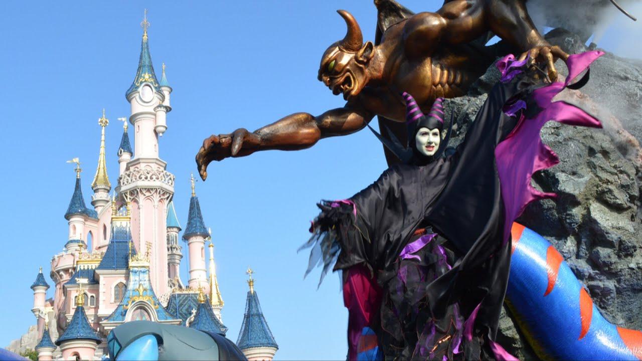 Disneys Atlantis The Villains: The Maleficent Disney Villains Promenade W/Characters