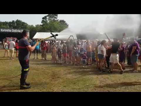 A manguerazos en el festival de Pardiñas