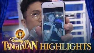 Tawag ng Tanghalan: Vhong shows a picture of Vice Ganda