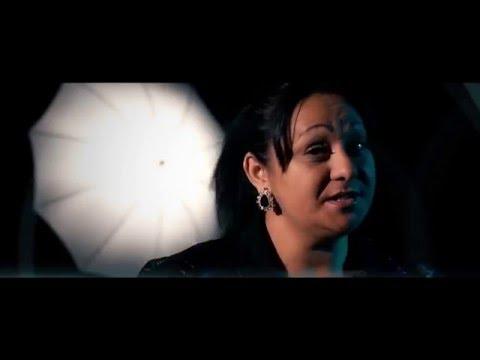 Sorina de la Timisoara - Vine Ploaia [Official Video]