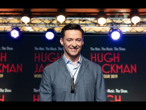 Hugh Jackman surprises AUT students - then sings with them