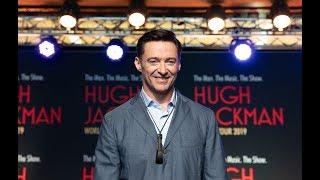 Hugh Jackman surprises AUT students - then sings with them