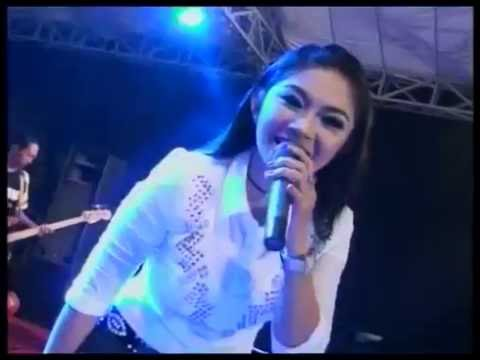 Ratna Antika ~ KELAYUNG LAYUNG New MDK Live Karaban Gabus Pati 2016