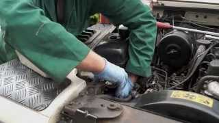 Replacing a Tdi Diesel filter  - The Fine Art of Land Rover Maintenance -