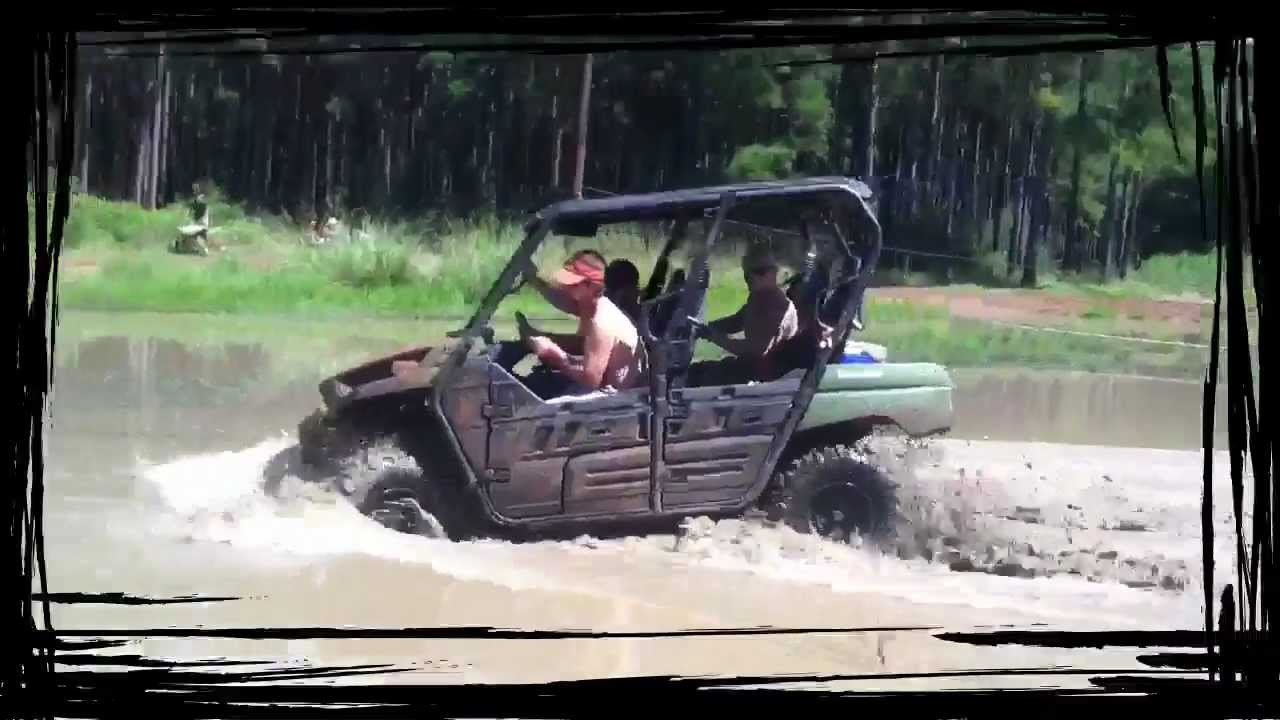 Boggs and boulders mudding - YouTube