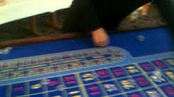 Ich als Roulette Croupier am Roulette Tisch, Mobiles Casino
