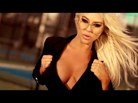 Andrea - Amor Peligroso (official video)