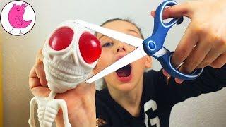РЕЖЕМ ИГРУШКИ АНТИСТРЕСС ЛИЗУН И НЕ ТОЛЬКО! Что внутри Лизуна и Антистресса? Antistress Toys