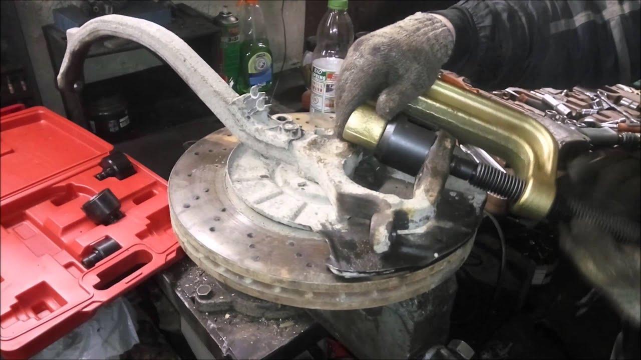 фото как поменять нижнюю шаровую на мерседесе w211