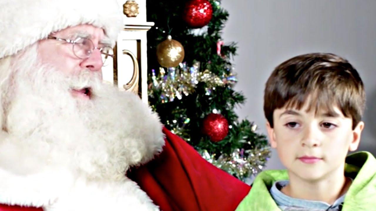 jewish kids meet santa for the first time - Kids Santa