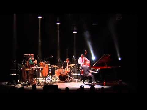 AHMAD JAMAL Live in Paris - BLUE MOON
