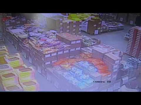 Нефтекумск 😨 кража в магазине Светофор