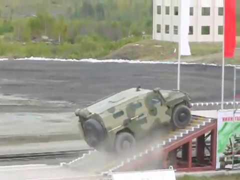 """ГАЗ-233014 """"Тигр"""" vs IVECO 65E19WM """"Рысь"""" на Российской выставке вооружений-2011 в Нижнем Тагиле"""