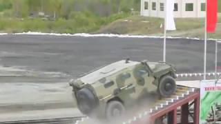 """видео: ГАЗ-233014 """"Тигр"""" vs IVECO 65E19WM """"Рысь"""" на Российской выставке вооружений-2011 в Нижнем Тагиле"""