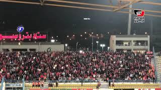 جماهير الأهلي تهاجم لاعبي بيراميدز أثناء المباراة من مدرجات «بتروسبورت»