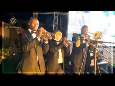 Saint Sylvestre 2014 au Palm Camayenne - Vidéo 2 sur 3 - Le show du dîner