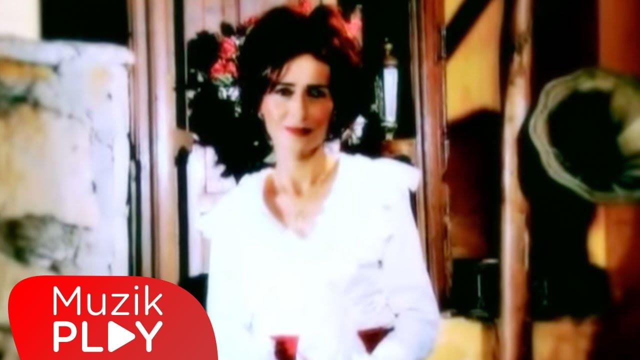 Yıldız Tilbe - Aşk Laftan Anlamaz Ki (Official Video)